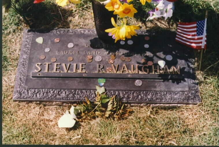 Stevie's old headstone